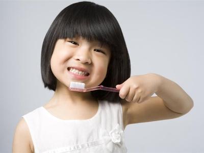 不吃糖也会长蛀牙!别让牙齿拉低孩子的颜值