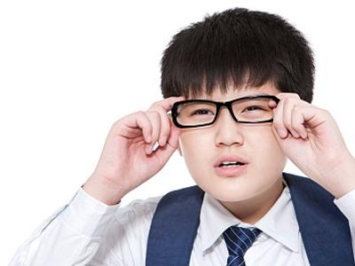这五个造成孩子近视的环境因素 家长该重视了!